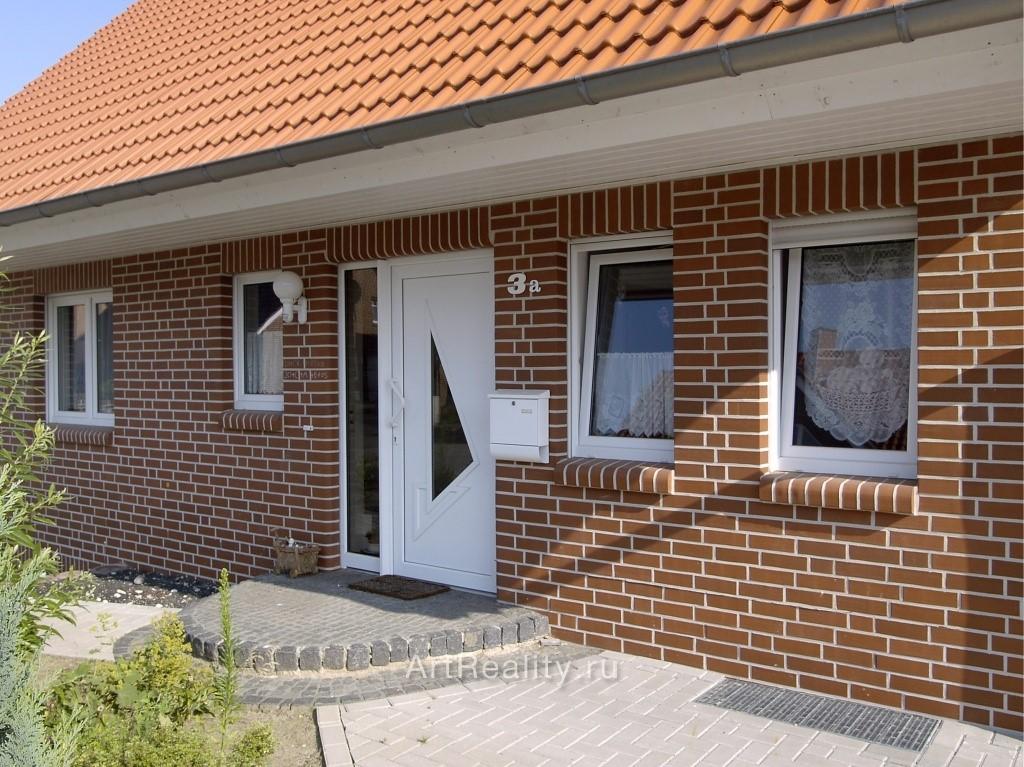 Фасады из кирпича фото